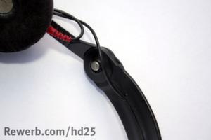 Potenzieller Kabelbruch durch Nut in Kopfbügel