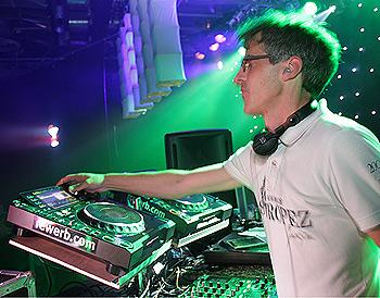 Backstage mit DJ Rewerb