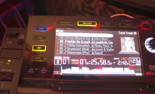 CDJ2k, gespielte Song sind grün markiert