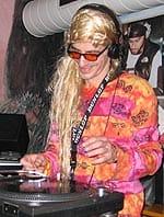 Hippie DJ rewerb