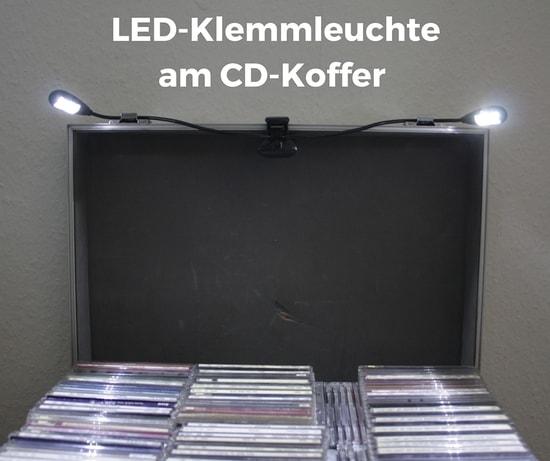 LED-Klemmleuchte am CD-Koffer