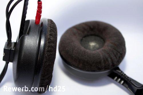 Ohrpolster des Sennheiser HD 25, ein Treiber ist klappbar