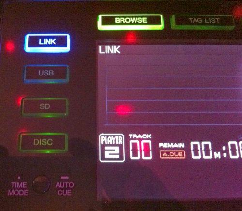 Player 2, blaue Link-Taste für Netzwerkverbindung von CDJ 2000