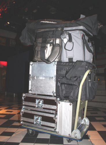 Werkstattwagen voll mit DJ-Ausrüstung für Ü30-Party